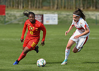 20190403  - Tubize , BELGIUM : Belgian Esther Buabadi (L) and Swiss Kattalin Stahl (R) pictured during the soccer match between the women under 19 teams of Belgium and Switzerland , on the first matchday in group 2 of the UEFA Women Under19 Elite rounds in Tubize , Belgium. Wednesday 3 th April 2019 . PHOTO DIRK VUYLSTEKE / Sportpix.be