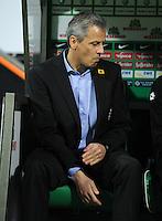 FUSSBALL   1. BUNDESLIGA    SAISON 2012/2013    8. Spieltag   SV Werder Bremen - Borussia Moenchengladbach  20.10.2012 Trainer Lucien Favre (Borussia Moenchengladbach)