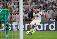 Harry Kane of Tottenham Hotspur during an attack during the UEFA Champions League Group stage match between Tottenham Hotspur and Monaco at White Hart Lane, London, England on 14 September 2016. Photo by Andy Rowland.