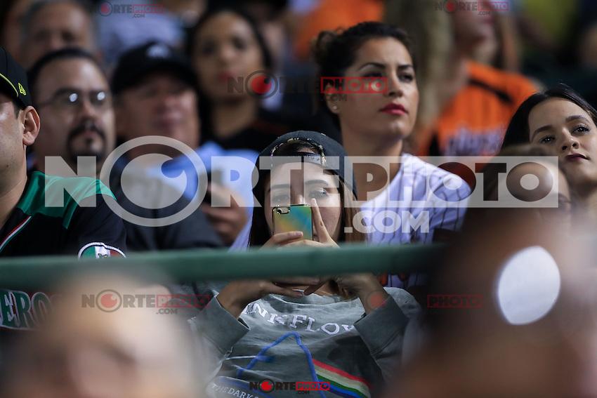 Aficionada, durante el 3er. encuentro de la serie de beisbol entre Tomateros vs Naranjeros. Temporada 2016 2017 de la Liga Mexicana del Pacifico.<br /> &copy; Foto: LuisGutierrez/NORTEPHOTO.COM