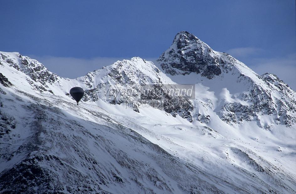 Europe/Suisse/Engadine/St-Moritz: Montagne enneigée