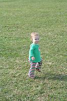 09DIMWR Dancing Baby