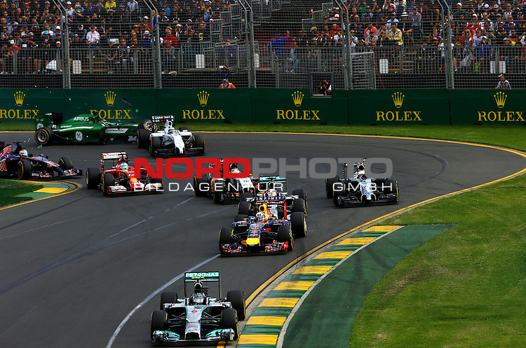 F1 Race Start - Nico Rosberg (GER), Mercedes GP - Daniel Ricciardo (AUS)  Red Bull Racing<br /> for the complete Middle East, Austria &amp; Germany Media usage only!<br />  Foto &copy; nph / Mathis