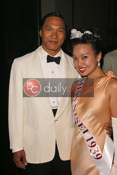 Jason Scott Lee and Gina Hiraizumi