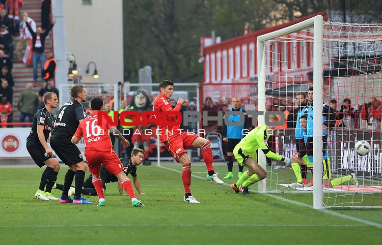 28.04.2017, Stadion an der Wuhlheide, Berlin, GER, 2.FBL, 1.FC UNION BERLIN  VS. SANDHAUSEN, im Bild <br /> 2: 0 durch &auml;Damir Kreilach (1.FC Union Berlin #19), Philipp Hosiner (1.FC Union Berlin #16), Marco Knaller (SV Sandhausen 1) <br /> <br />      <br /> Foto &copy; nordphoto / Engler