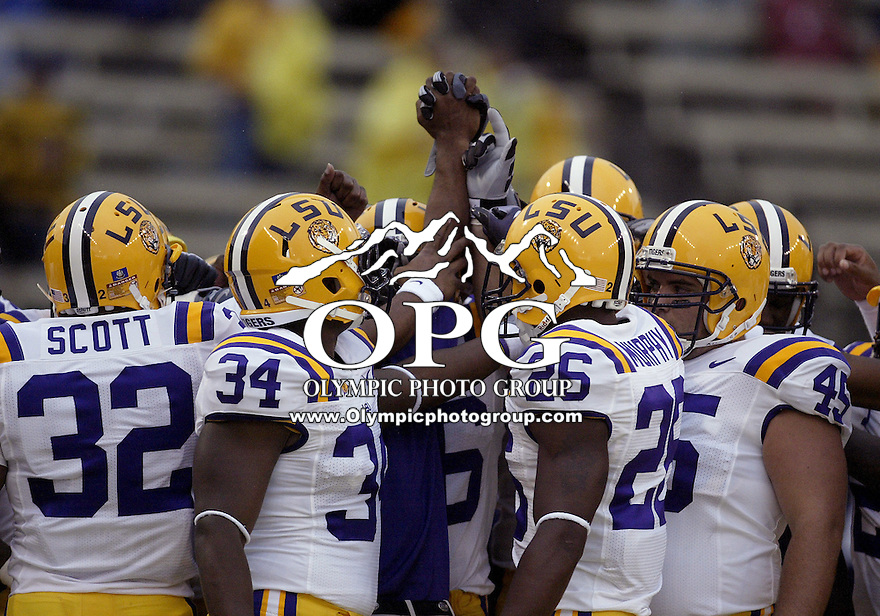 Sep 05, 2009:  LSU players huddled up before the game for a team cheer.LSU defeated the University of Washington 31-23 at Husky Stadium in Seattle, Washington..