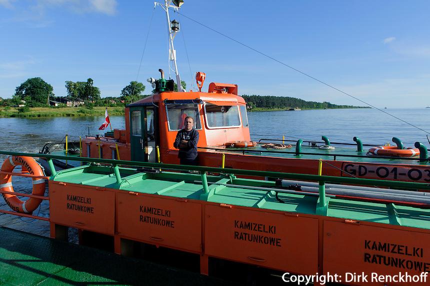 F&auml;hre &uuml;ber die Weichsel (Wisla) bei Swibno, Woiwodschaft Pommern (Wojew&oacute;dztwo pomorskie), Polen, Europa<br /> Ferry across river Vistula in Poland, Europe