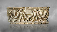 Roman relief sculpted garland sarcophagus with cherubs, 3rd century AD. Adana Archaeology Museum, Turkey
