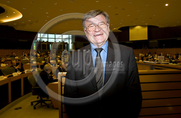 BRUSSELS - BELGIUM - 27 FEBRUARY 2008 -- Harald ROEMER (Roemer, Romer), Secretary-General of the European Parliament leaving the Budget Committee meeting. -- PHOTO: Juha ROININEN / EUP-IMAGES