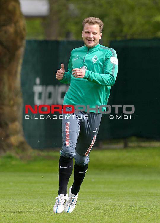 01.05.2015, Trainingsgelaende, Bremen, GER, 1.FBL, Training Werder Bremen, im Bild Philipp Bargfrede (Bremen #44)<br /> <br /> Foto &copy; nordphoto / Frisch