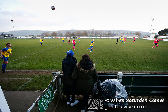 Pickering fans watch Stocksbridge take a throw in. Stocksbridge Park Steels v Pickering Town, Evo-Stik East Division, 17th November 2018. Stocksbridge Park Steels were born from the works team of the local British Steel plant that dominates the town north of Sheffield.<br />