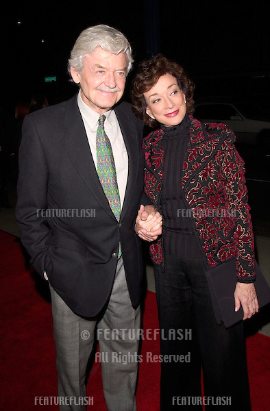 Actor HAL HOLBROOK & wife DIXIE CARTER at the Los Angeles premiere of his new movie Men of Honor. .01NOV2000.  © Paul Smith / Featureflash