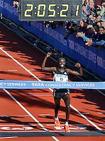 Nederland  Amsterdam  2016 . Winnaar van de Marathon van Amsterdam: Daniel Wanjiru .  Foto Berlinda van Dam / Hollandse Hooogte.
