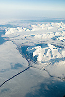 Spitsbergen sett fra flyvinduet. ---- Spitsbergen seen from the air.