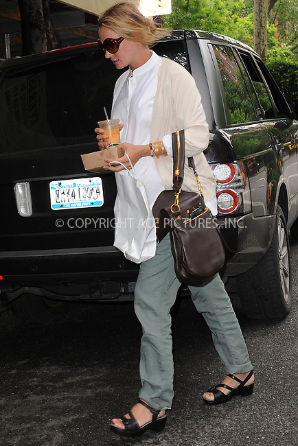 WWW.ACEPIXS.COM . . . . . .May 22, 2012...New York City....Uma Thurman sighting May 22, 2012 in New York City. ....Please byline: KRISTIN CALLAHAN - WWW.ACEPIXS.COM.. . . . . . ..Ace Pictures, Inc: ..tel: (212) 243 8787 or (646) 769 0430..e-mail: info@acepixs.com..web: http://www.acepixs.com .