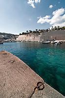 Castro Marina - Salento - Puglia - Porto di Castro Marina. Attracco per imbarcazioni.