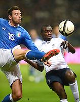 Fussball International  Freundschaftsspiel   14.11.2012 Italien - Frankreich Andrea Barzagli (li, Italien) gegen Blaise Matuidi  (Frankreich)