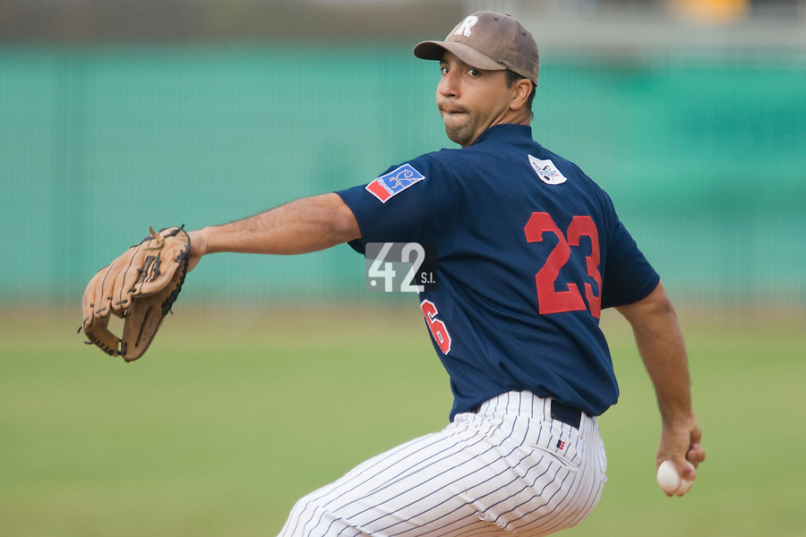 12 Oct 2008: Randy Perez pitches against Senart during game 2 of the french championship finals between Templiers (Senart) and Huskies (Rouen) in Chartres, France. The Huskies win 7-4 over the Templiers.