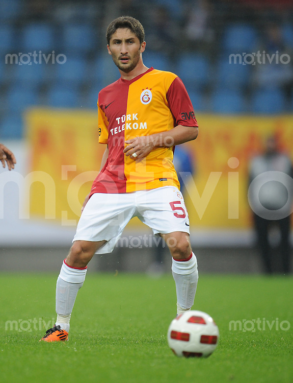FUSSBALL   1. BUNDESLIGA   SAISON 2011/2012   TESTSPIEL Galatasaray Istanbul - Inter Mailand         24.07.2011 Sabri SARIOGLU (Galatasaray Istanbul) Einzelaktion am Ball