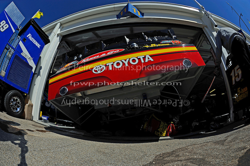 Clint Bowyer, (#15) 5-hour ENERGY Camry