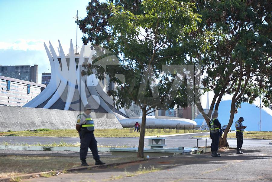 BRASÍLIA, DF, 30.06.2017 - GREVE-DF - Vista da Esplanada dos Ministérios em Brasília na tarde desta sexta-feira, 30, em dia de Greve Geral. (Foto: Ricardo Botelho/Brazil Photo Press)