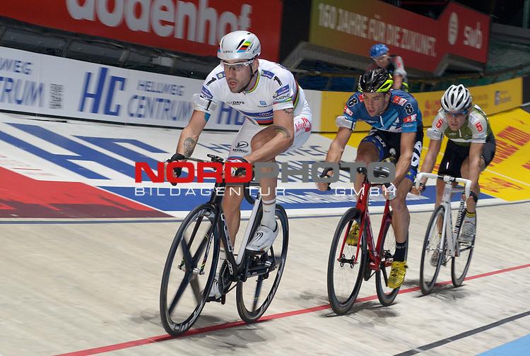 13.01.2015, &Ouml;VB Arena, Bremen, GER, Sixdays Bremen, im Bild David Muntaner Juaneda (Team x-Tip #1), Andreas Graf (Team Bike It #8), Vojtech Hacecky (Team Atlantic Gruppe #5)<br /> <br /> Foto &copy; nordphoto / Frisch