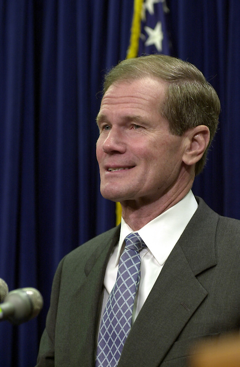 28freshmen120600 --  Bill Nelson, D-Fla.,during a press conference to introduce the democratic freshmen senators.