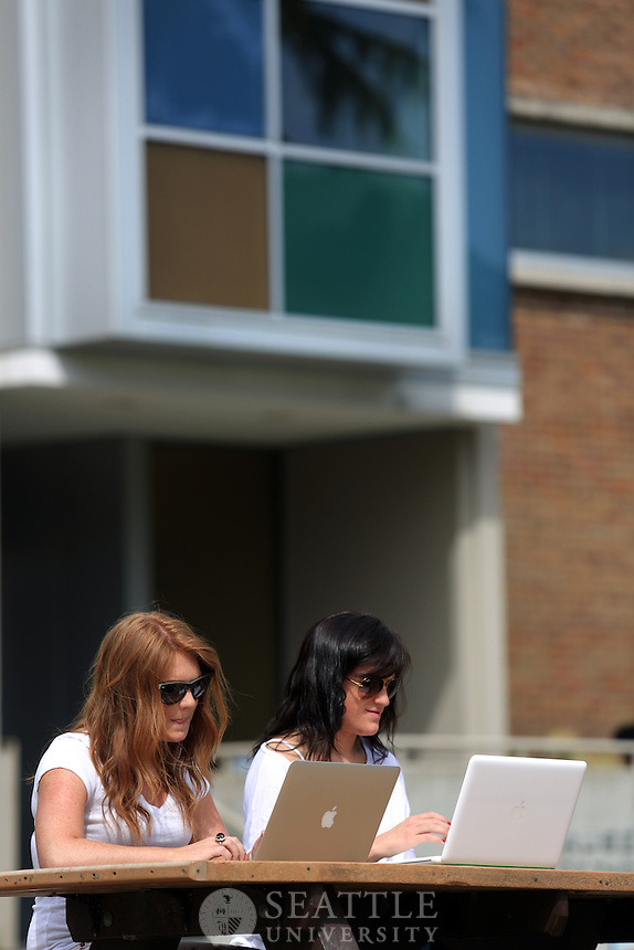 04262013- Spring on campus