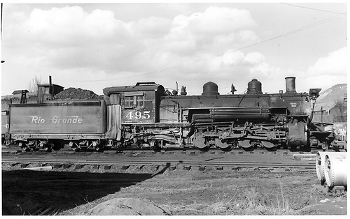 Engineer side of D&amp;RGW #495 K-37 in Durango.<br /> D&amp;RGW  Durango, CO  Taken by Payne, Andy M. - 3/30/1958