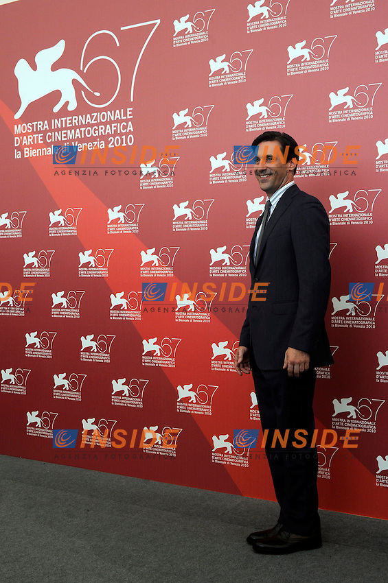 """- """"67 Mostra Internazionale D'Arte Cinematografica"""". Wednesday, 2010 September 08, Venice ITALY..- In The Picture: The actor Jon Hamm at the photocall for the film """"THE TOWN""""...Photo STEFANO MICOZZI / Insidefoto"""