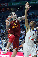 Real Madrid's Anthony Randolph (r) and Galatasaray Odeabank Istambul's Vladimir Micov during Euroleague, Regular Season, Round 5 match. November 3, 2016. (ALTERPHOTOS/Acero) /NORTEPHOTO:COM