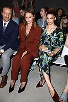 Stella McCartney mit Ehemann Alasdhair Willis und Kenya Kinski-Jones bei der Designer For Tomorrow by Fashion ID Show auf der Mercedes-Benz Fashion Week Berlin Spring/Summer 2018 im Kaufhaus Jandorf. Berlin, 06.07.2017