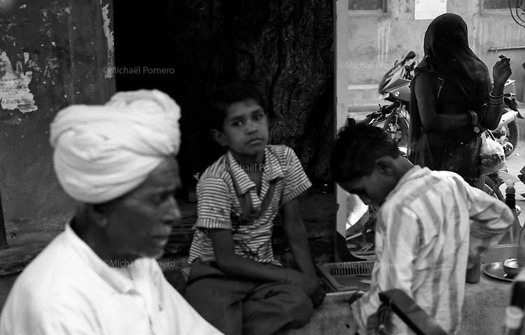 11.2010 Pushkar (Rajasthan)<br /> <br /> Street scene in Pushkar.<br /> <br /> Sc&egrave;ne de rue a Pushkar.