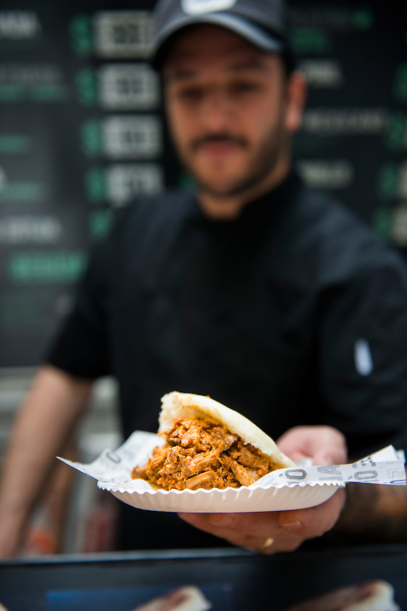 Orale Arepa. Foodtruck, streetfood, Mexico City