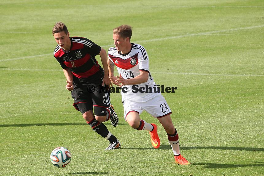 Erik Durm gegen Dominik Kohr (U20) - Testspiel der Deutschen Nationalmannschaft gegen die U20 zur WM-Vorbereitung in St. Martin