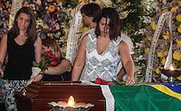 RIO DE JANEIRO, 07 DE DEZEMBRO 2012 - MORTE OSCAR NIEMEYER - Familiares durante velorio do arquiteto Oscar Niemeyer no Palacio da Cidade (sede da Prefeitura do Rio de Janeiro) no bairro de Botafogo regiao sul da capital fluminensena manha desta quinta-feira, 07 dezembro. O arquiteto morreu na quarta-feira, 05 dezembro à noite vítima de infecção respiratória, aos 104 anos. FOTO: VANESSA CARVALHO - BRAZIL PHOTO PRESS.