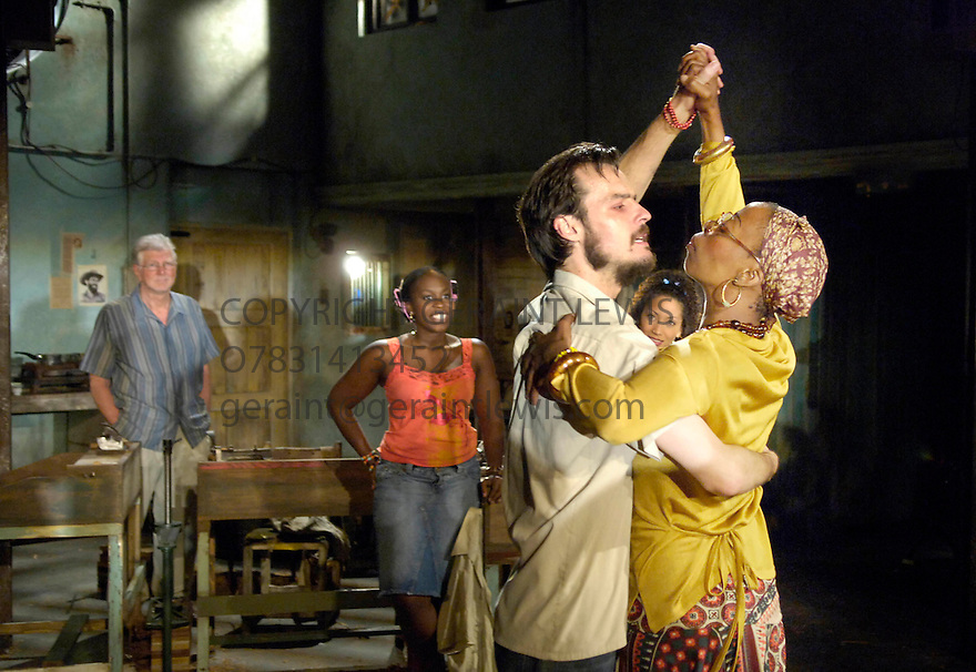 The President of an Empty Room by Steven Knight,directed by Howard Davies.With Paul Hilton,Norma Dumezweni. Opens at the Cottesloe Theatre on 28/6/05. CREDIT Geraint Lewis