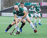 AMSTELVEEN -Glenn Turner (R'dam) met Fergus Kavanagh (Adam)    tijdens de hoofdklasse competitiewedstrijd heren, AMSTERDAM-ROTTERDAM (2-2). COPYRIGHT KOEN SUYK