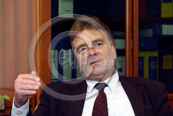BRUSSELS - BELGIUM - 7 DECEMBER 2004 --Fritz-Harald WENIG in DG Trade.-- PHOTO: ERIK LUNTANG / EUP-IMAGES