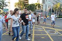 RIO DE JANEIRO, RJ, 04 AGOSTO 2012 -ELEICOES 2012-MARCELO FREIXO - O candidato a Prefeitura do Rio de Janeiro pelo PSOL, Marcelo Freixo, encontra com eleitores na Feira da Rua do Lavradio,neste sabado, 04 de agosto, no centro do Rio.(FOTO: MARCELO FONSECA / BRAZIL PHOTO PRESS).