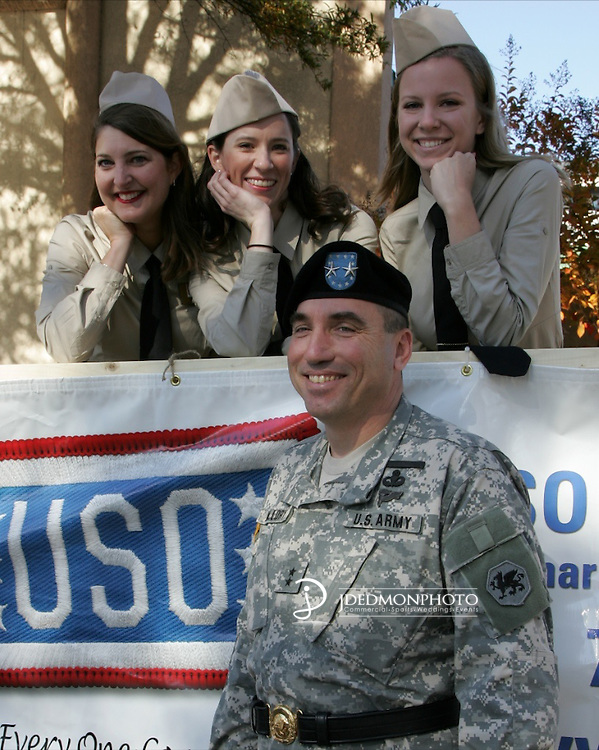Veterans Day Parade 08