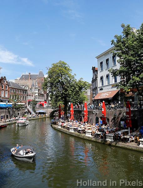 Nederland Utrecht 2015 08 08 .  Terrassen aan de Oudegracht in Utrecht