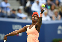 FLUSHING NY- SEPTEMBER 09: ***NO NY DAILIES*** Sloane Stephens serves against Madison Keys. Stephens defeats Keys in straight sets 6-3, 6-0 during the Womens finals on Arthur Ashe Stadium at the US Open in the USTA Billie Jean King National Tennis Center on September 9, 2017 in Flushing Queens. <br /> CAP/MPI04<br /> &copy;MPI04/Capital Pictures