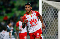 VALPARAISO - CHILE - 13 - 02 - 2018: Wilson, jugador de Independiente Santa Fe, celebra el gol anotado a Santiago Wanderers, durante partido de ida entre Santiago Wanderers (CHL) y el Independiente Santa Fe (COL), de la fase 3 llave 1 por la Copa Conmebol Libertadores 2018, jugado en el estadio Bicentenario Elias Figueroa de la ciudad de Valparaiso. / Wilson Morelo, player of Independiente Santa Fe, celebrates a scored goal to Santiago Wanderers, during a match of the first leg between Santiago Wanderers (CHL) and Independiente Santa Fe (COL), of the 3rd phase key 1 for the Copa Conmebol Libertadores 2018 at the Bicentenario Elias Figueroa Stadium in Valparaiso City, Photo: VizzorImage / Raul Zamora / Cont / Photosport