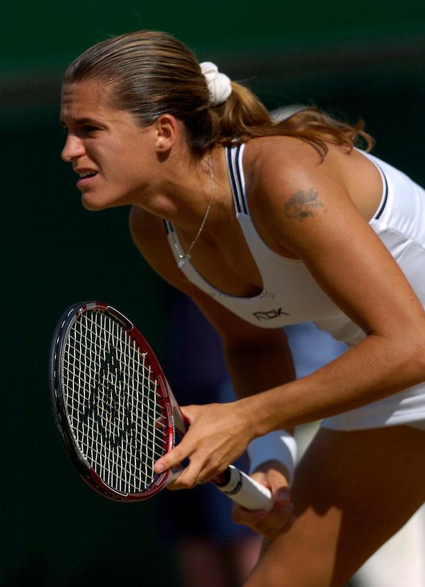 Photo: Richard Lane..Wimbledon Championships. 03/07/2006. .Amelie Mauresmo of France.