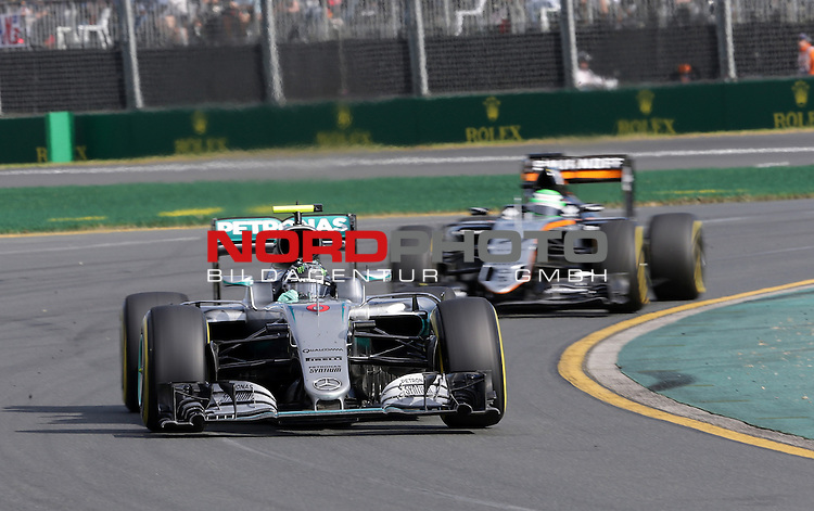 20.03.2016. Albert-Park-Circuit, Melbourne,  AUS, F1, Formula 1 Rolex Australien Grand Prix,  Race01 im Bild   <br /> Nico Rosberg (GER#6), Mercedes AMG Petronas Formula One Team,Niko H&uuml;lkenberg (GER#27), Sahara Force India Formula One Team<br /> <br /> <br /> Foto &copy; nordphoto /  Bratic
