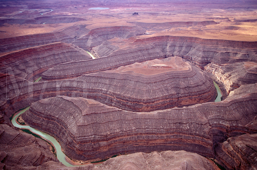 Goosenecks State park shows the complex twists and turns of the San Juan River, cut through the rocky plateau of southeastern Utah