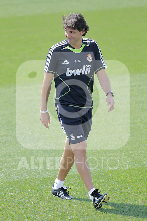 MADRID (11/08/2010).- Real Madrid training session at Valdebebas. Aitor Karanka...Photo: Cesar Cebolla / ALFAQUI