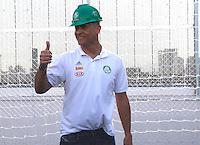 SÃO PAULO,SP,06 AGOSTO 2012 - VISITA JOGADORES OBRAS ARENA PALESTRA<br /> O ex goleiro  do Palmeiras Marcos  duarante visita na tarde de hoje as obras da Arena Palestra.FOTO ALE VIANNA/BRAZIL PHOTO PRESS.