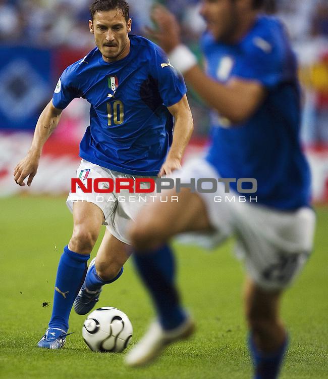 FIFA WM 2006 - Viertelfinale <br /> Play    #58 (30-Jun) - Italien - Ukraine<br /> <br /> Francesco TOTTI (10).<br /> <br /> Foto &copy; nordphoto
